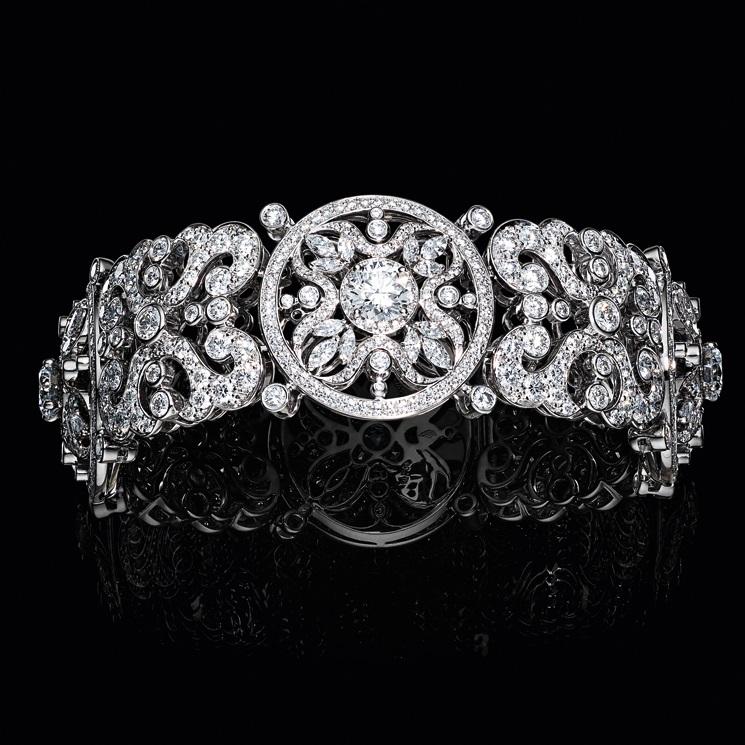 Corona - Bracciale in oro bianco e diamanti. Foto Laziz Hamani