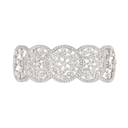 "Les Intemporels de Chanel. ""Etoile Filante"" bracelet in 18K white gold set with 594 brilliant-cut diamonds for a total weight of 5.4 carats."