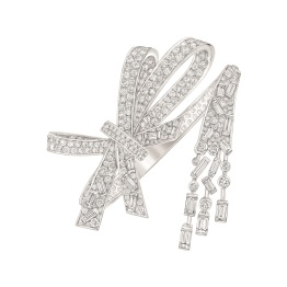 """Les Intemporels de Chanel. """"Ruban"""" bracelet in 18K white gold set with 23 baguette-cut diamonds for a total weight of 3.9 carats and 384 brilliant-cut diamonds for a total weight of 8.6 carats."""