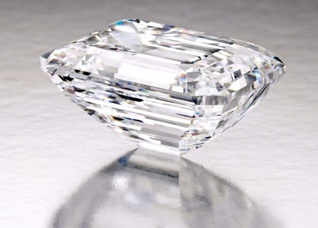 In the News: Sotheby's Unveils a 100-Carat Perfect Diamond