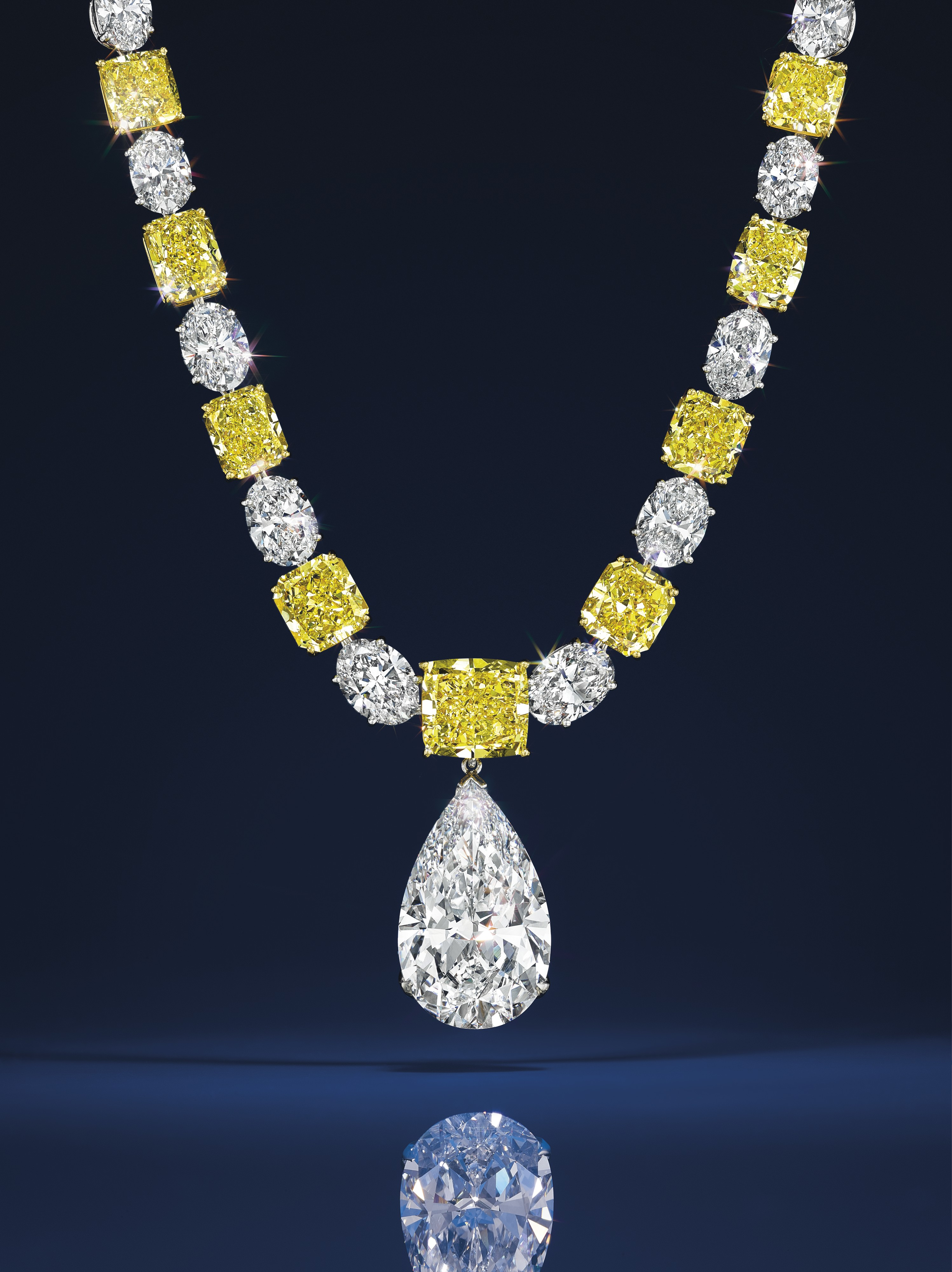 Auctions: Magnificent Jewels at Christie's New York on April 14 – Highlights
