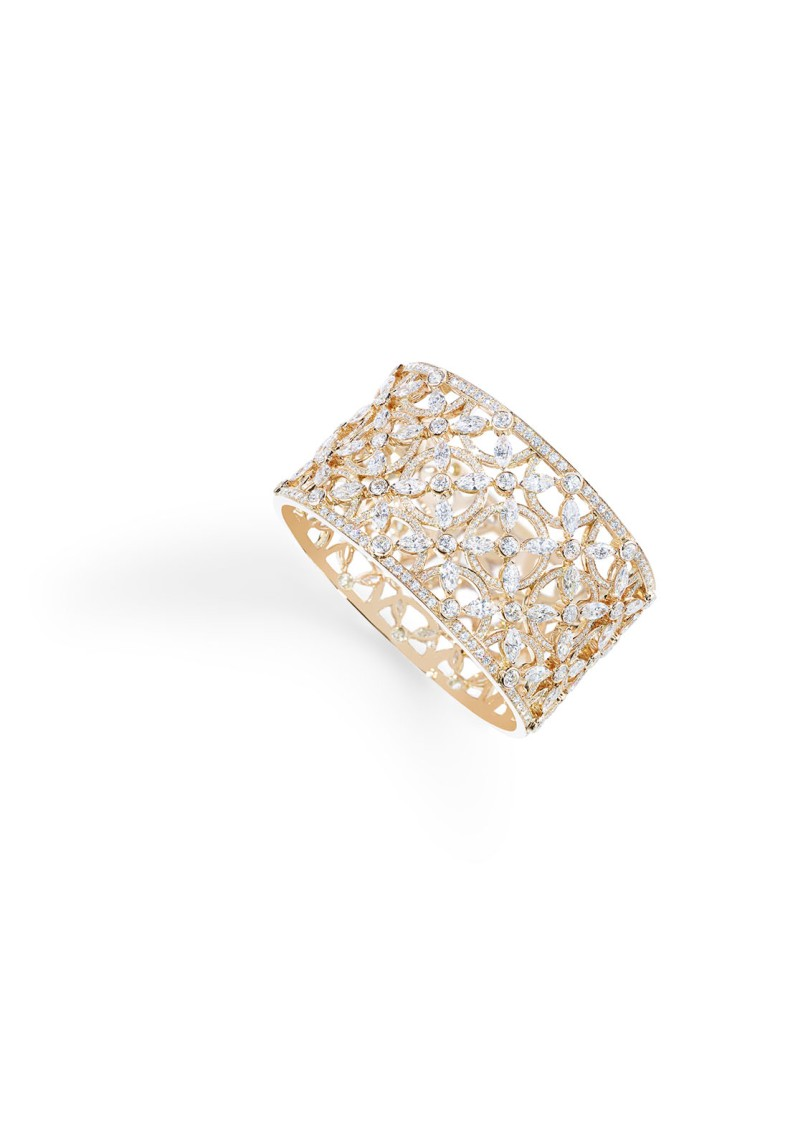Cuff bracelet in 18K pink gold set with 88 marquise-cut diamonds (approx. 20.24 cts) and 776 brilliant-cut diamonds (approx. 10 cts).