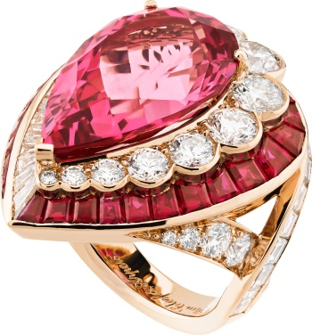 Goutte de Spinelle Ring. Pink gold, round and baguette-cut diamonds, baguette-cut rubies, one pear-shaped pink spinel of 14.34 carats.