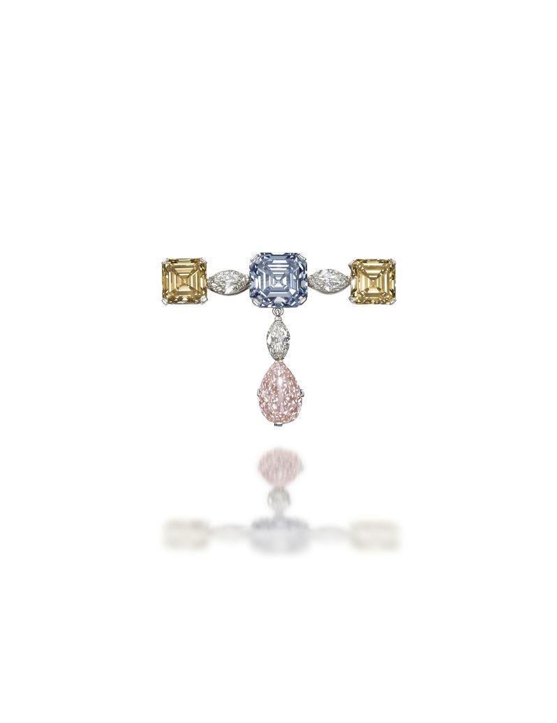 Fancy coloured diamond brooch (lot 187)